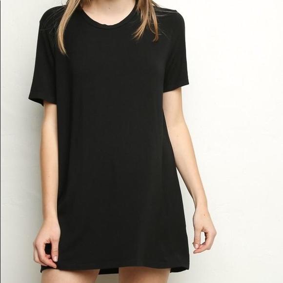 "72aaa96928 Brandy Melville Dresses & Skirts - Brandy Melville black ""Luana"" t-shirt  dress"